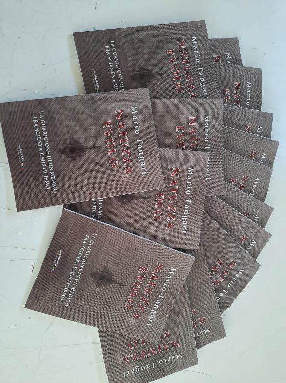 """Edito dalla PubliGrafic """"Natuzza Evolo: la guarigione di un medico tra scienza e misticismo"""" di Mario Tangari."""